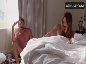 CHARLES MESURE NUDE/SEXY SCENE IN GIRLFRIENDS' GUIDE TO DIVORCE