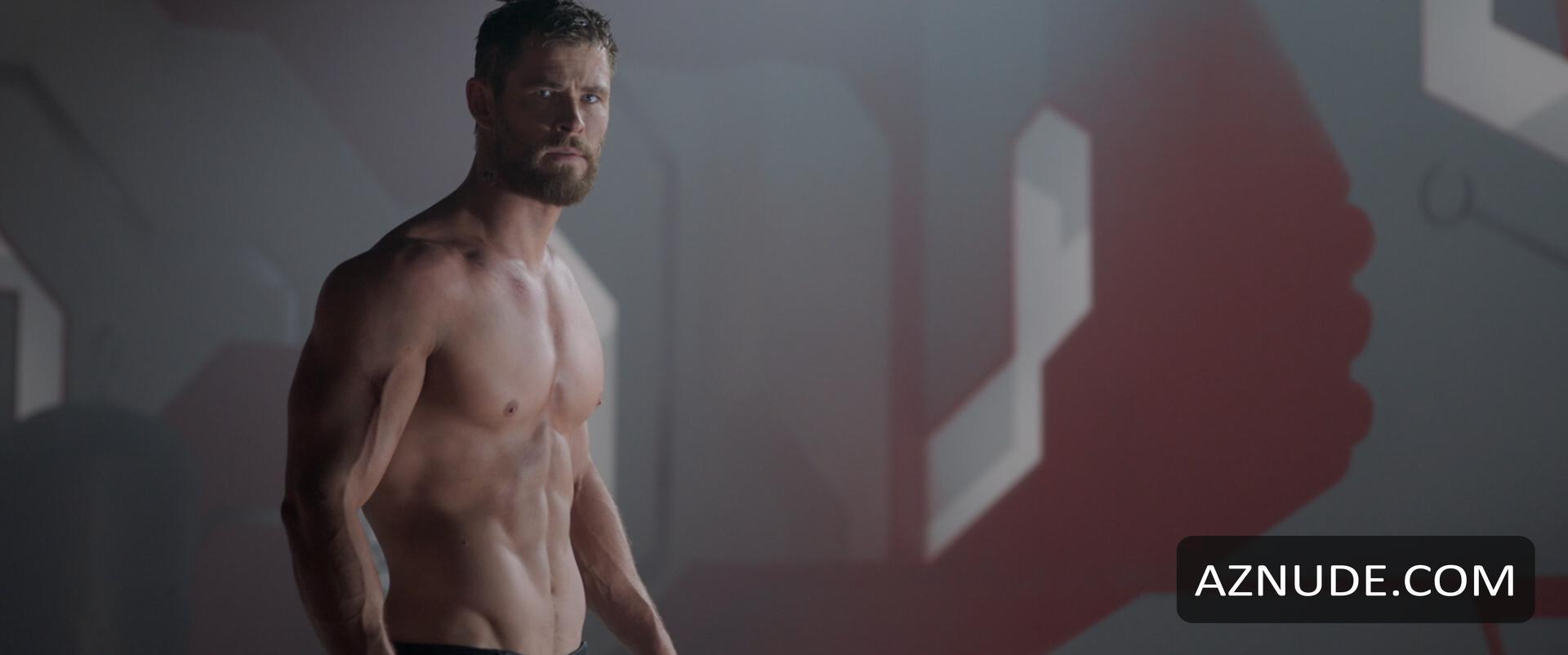 Chris Hemsworth Penis