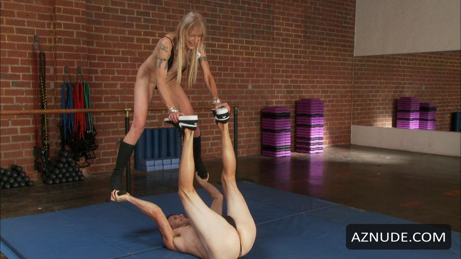 nude girl playing with anal