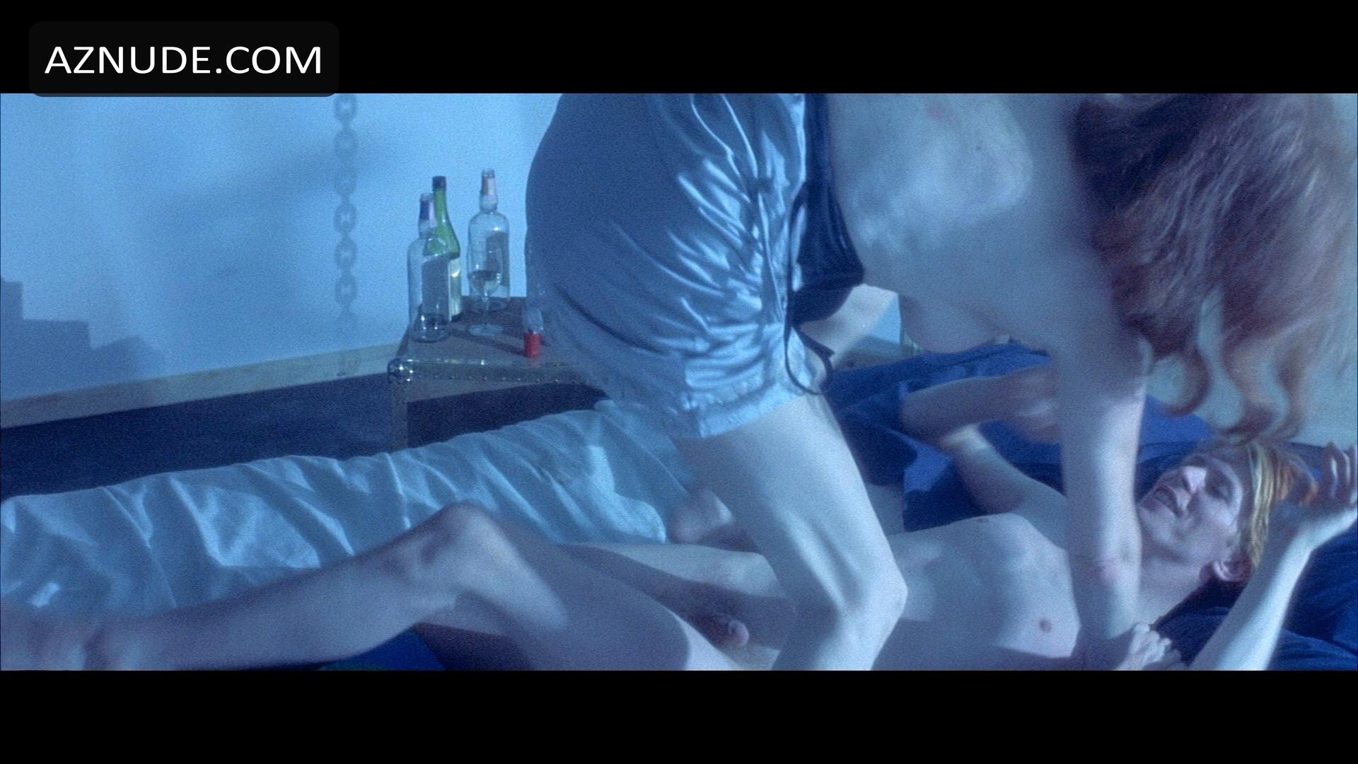 the man who fell to earth sex scene