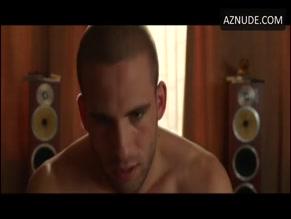 DINO FETSCHER NUDE/SEXY SCENE IN BANANA