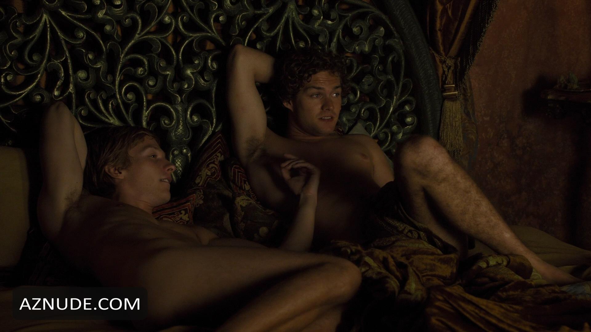 reparto juego tronos gay naked