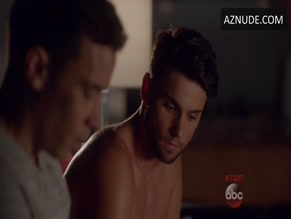 JACK FALAHEE in HOW TO GET AWAY WITH MURDER (2014)