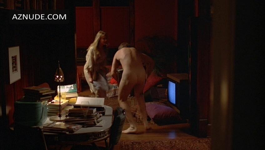 Kinky pantyhose tranny