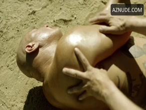 MARIANO MENDOZA in THE LAST MAN ON EARTH(2015)