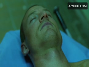 PHILIP WINCHESTER in STRIKE BACK (2010)