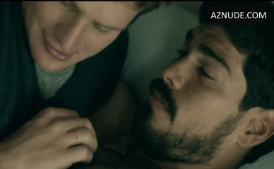 RAUL CASTILLO in Looking