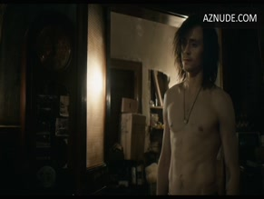 TOM HIDDLESTON in ONLY LOVERS LEFT ALIVE(2013)