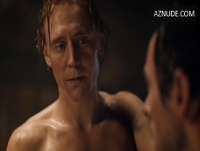 TOM HIDDLESTON in THE HOLLOW CROWN(2012)