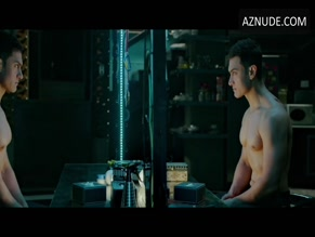AAMIR KHAN NUDE/SEXY SCENE IN DHOOM: 3