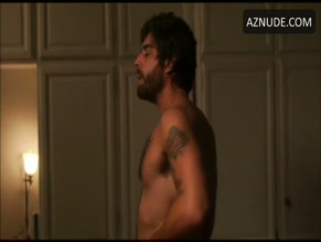ADAM GOLDBERG NUDE/SEXY SCENE IN 2 DAYS IN PARIS