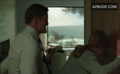 ALEXANDER SKARSGARD in Big Little Lies