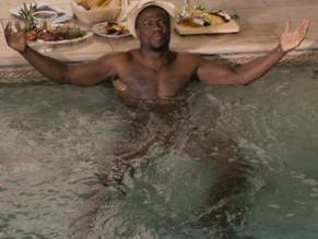 Nude kevin pictures hart
