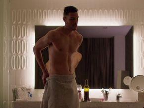 Topless Leon Thomas Iii Naked Gif