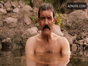 ANTONIO BANDERAS in AND STARRING PANCHO VILLA AS HIMSELF(2003)