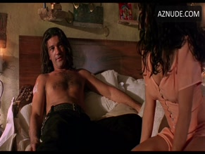 ANTONIO BANDERAS in DESPERADO(1995)