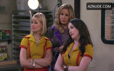 AUSTIN FALK in 2 Broke Girls