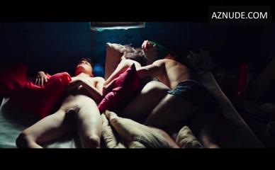hot malay mom nude photo