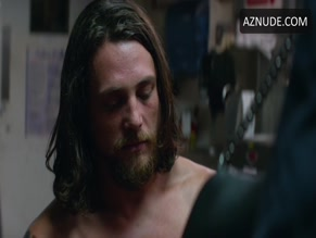 BEN ROBSON in ANIMAL KINGDOM(2016)