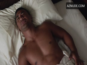 BEULAH KOALE NUDE/SEXY SCENE IN HAWAII FIVE-0