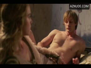 BRADLEY JAMES NUDE/SEXY SCENE IN MEDICI MASTERS OF FLORENCE