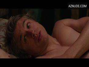 CHARLIE HUNNAM NUDE/SEXY SCENE IN 3, 2, 1... FRANKIE GO BOOM