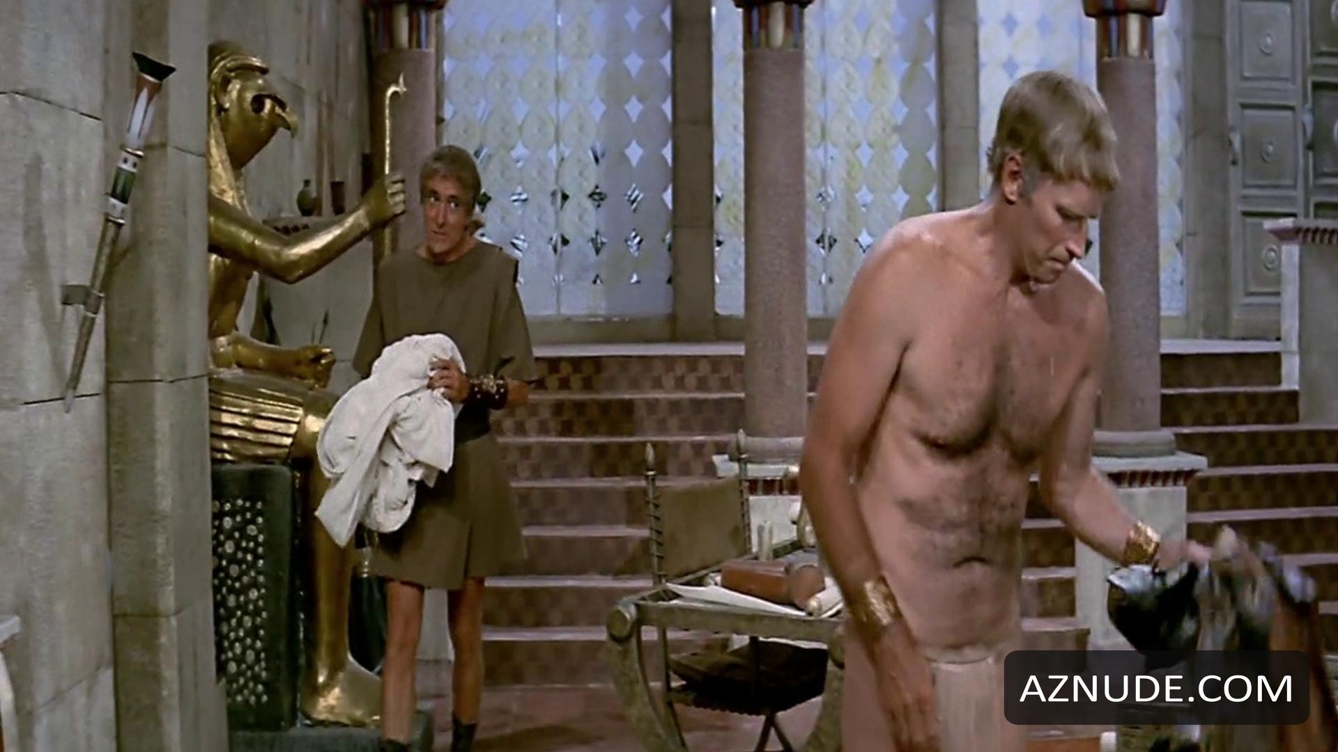 Superstar Nude Cleopatra Scenes