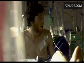 CILLIAN MURPHY NUDE/SEXY SCENE IN 28 DAYS LATER...