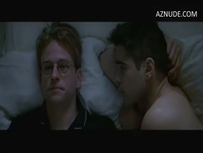 COLIN FARRELL NUDE/SEXY SCENE IN A HOME AT THE END OF THE WORLD