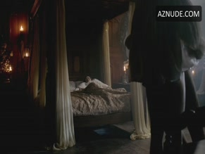 DAVID OAKES NUDE/SEXY SCENE IN THE WHITE QUEEN