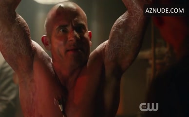 DOMINIC PURCELL in Legends Of Tomorrow