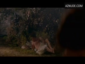DOMINIC WEST NUDE/SEXY SCENE IN A MIDSUMMER NIGHT'S DREAM