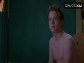 ELIJAH WOOD NUDE/SEXY SCENE IN ALL I WANT