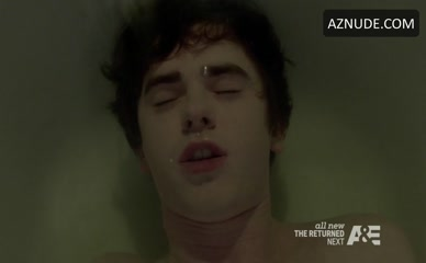 FREDDIE HIGHMORE in Bates Motel