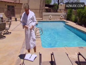 GORDON RAMSAY NUDE/SEXY SCENE IN HOTEL HELL