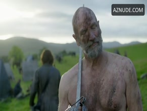 GRAHAM MCTAVISH in OUTLANDER (2014)