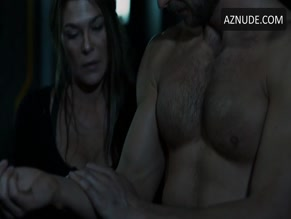 GREYSTON HOLT NUDE/SEXY SCENE IN THE 100