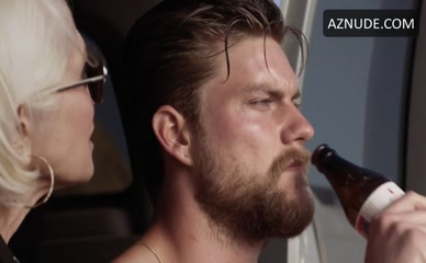 JAKE WEARY in Animal Kingdom