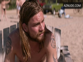 JAKE WEARY in ANIMAL KINGDOM(2016)