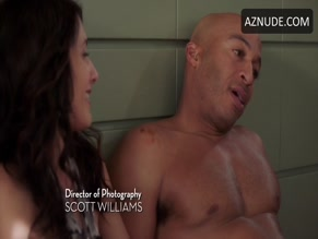 JAMES LESURE NUDE/SEXY SCENE IN GIRLFRIENDS' GUIDE TO DIVORCE