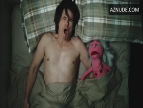 JIM CARREY NUDE/SEXY SCENE IN KIDDING