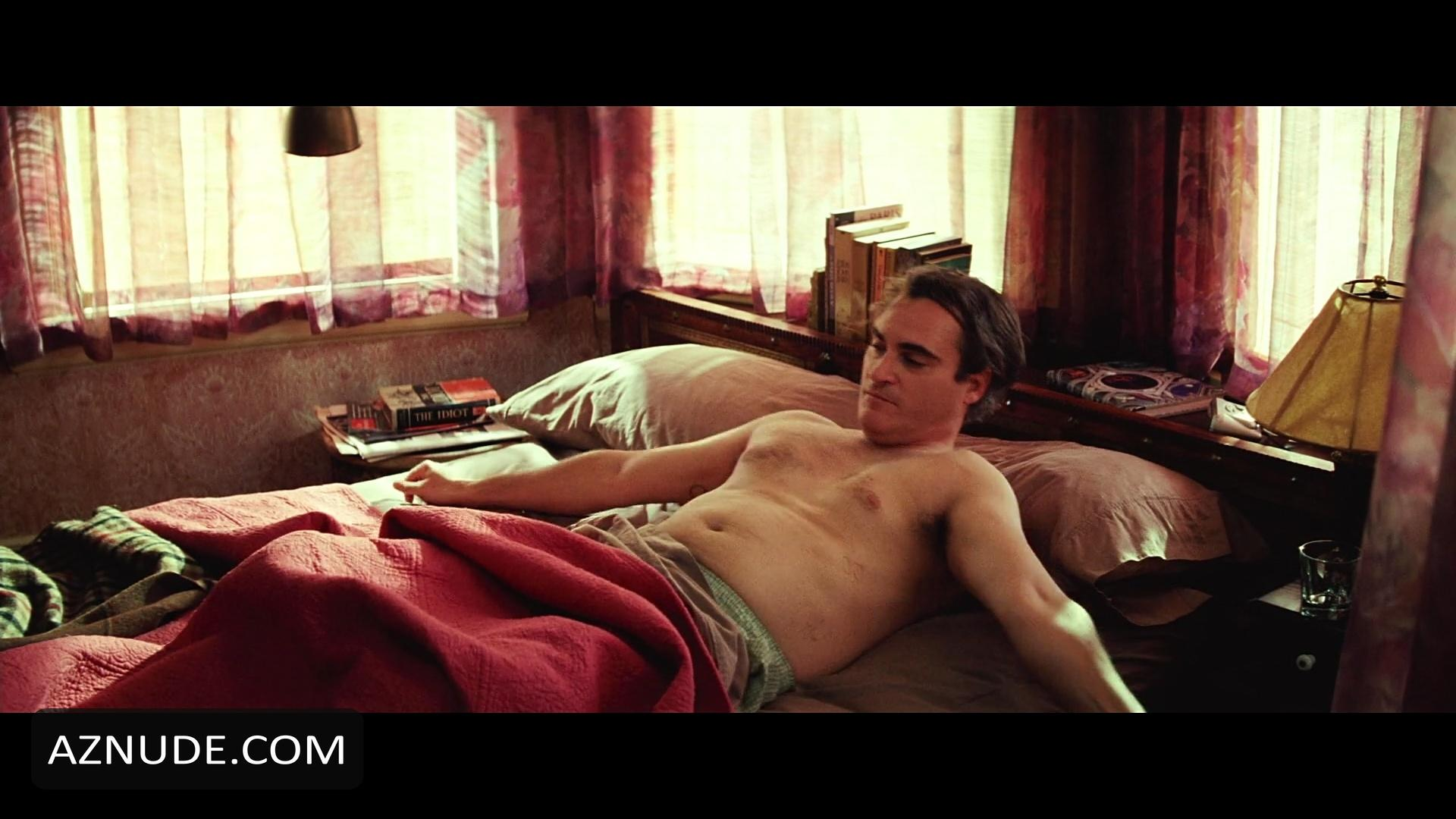 Joaquin Phoenix Is Hot With His Clothes Off