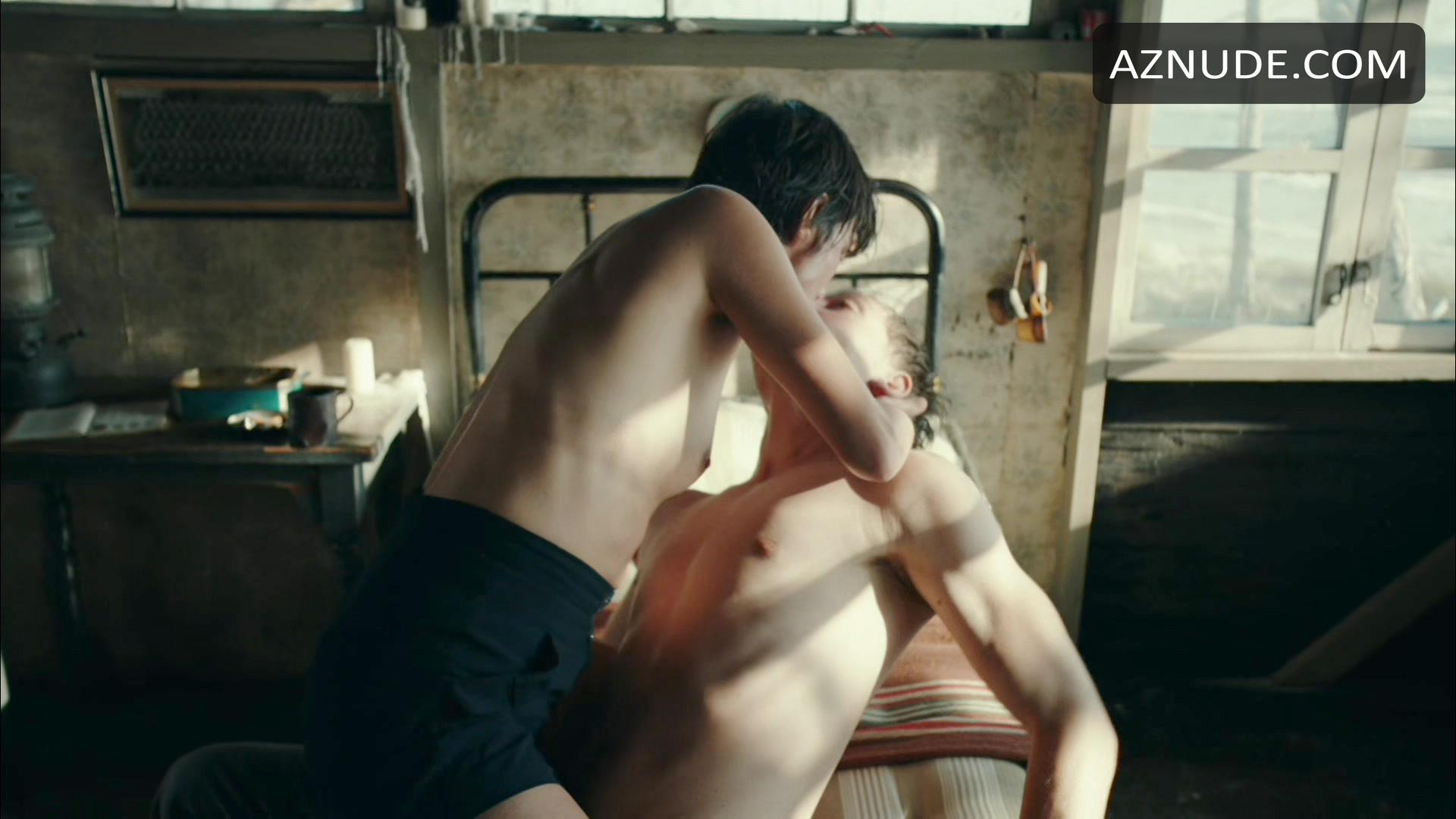 Jonas Nay Naked