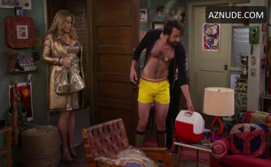 JONATHAN KITE in 2 Broke Girls