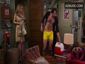 JONATHAN KITE in 2 BROKE GIRLS(2011)