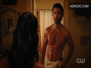 JUSTIN BALDONI in JANE THE VIRGIN(2014)
