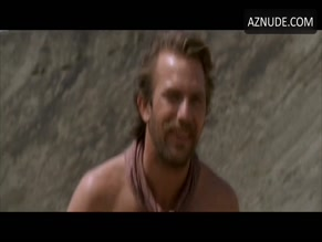 KEVIN COSTNER in DANCES WITH WOLVES(1990)