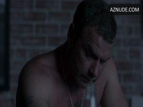 LIEV SCHREIBER NUDE/SEXY SCENE IN RAY DONOVAN