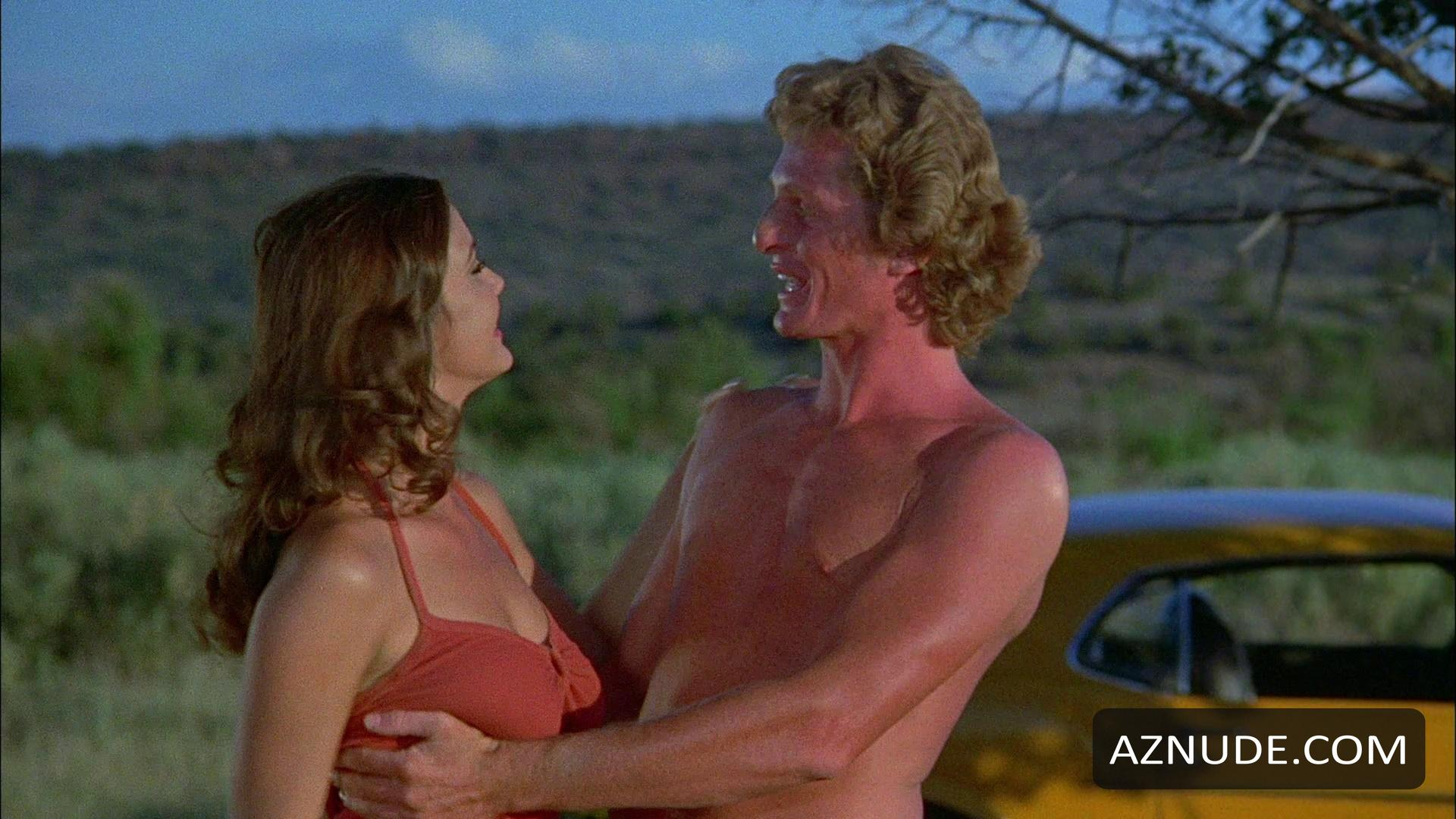 italian-girls-bobbie-jo-and-the-outlaw-nude-scenes-tits-lesbian-scissoring