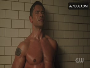MARK CONSUELOS NUDE/SEXY SCENE IN RIVERDALE